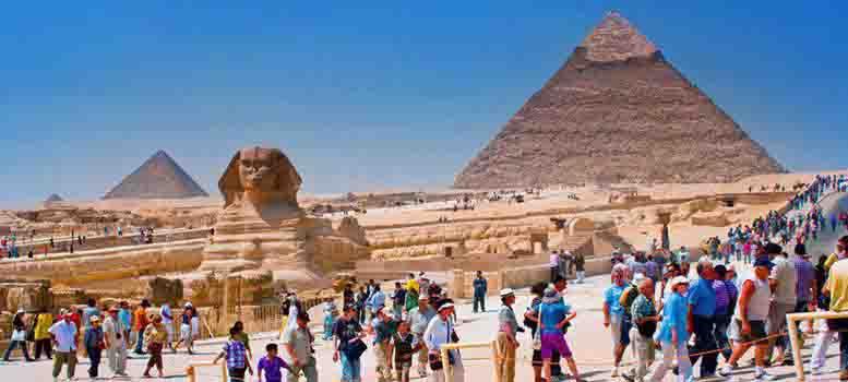 cairo-pyramids-egyptian-museum