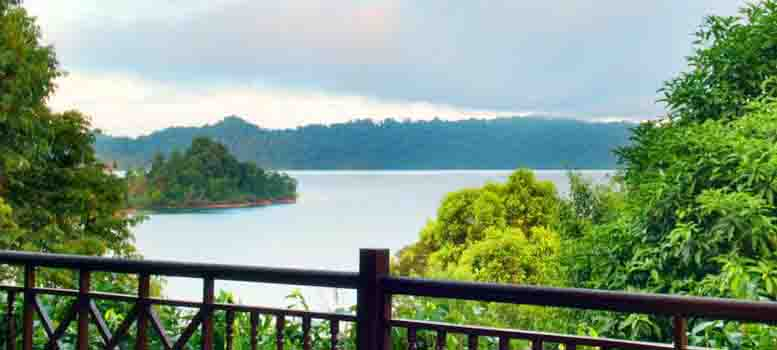 batang_ai_lake